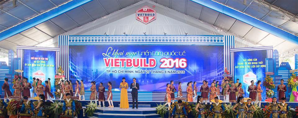 Lễ khai mạc Vietbuild 2016 được truyền hình trực tiếp trên kênh HTV9 vào sáng ngày 27/08/2016.