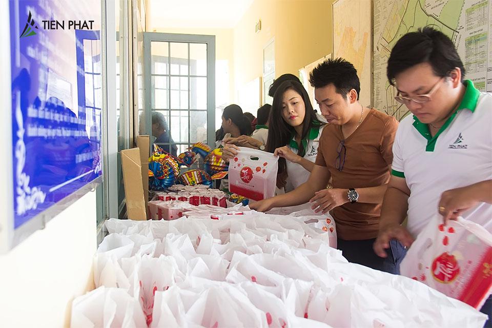 Tiến Phát Corp. từ thiện trung thu tại huyện Bình Chánh 2