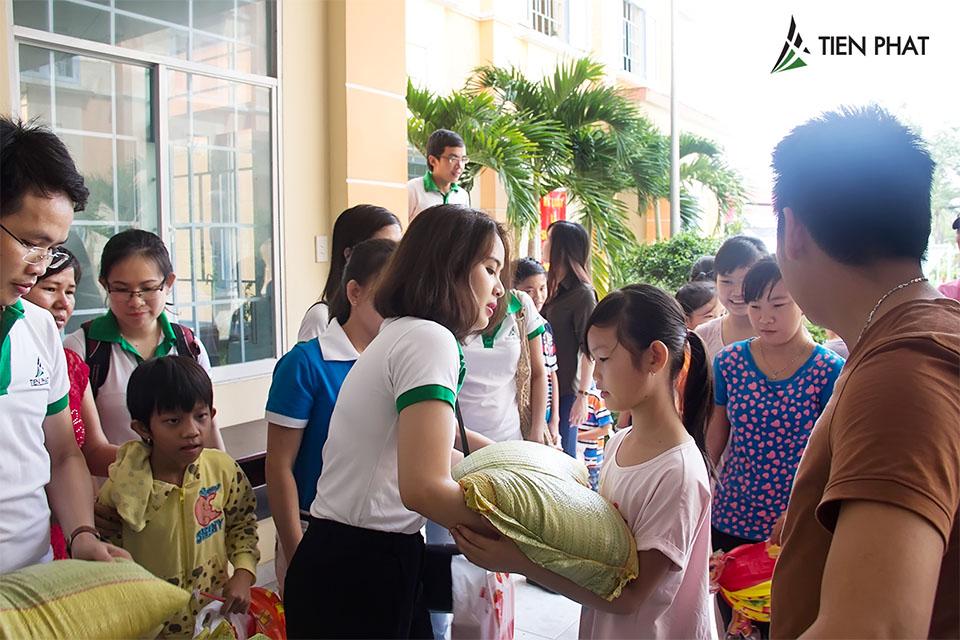 Tiến Phát Corp. từ thiện trung thu tại huyện Bình Chánh 6