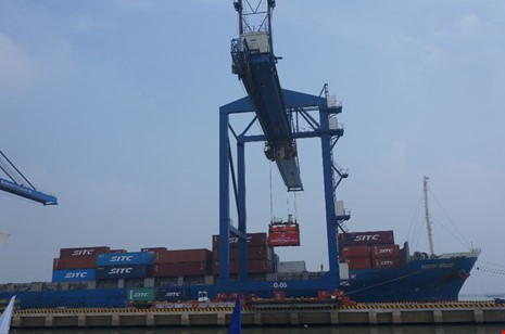 UBND TP kiến nghị dời cảng Tân Thuận về cảng Hiệp Phước để xây cầu Thủ Thiêm 4. Ảnh: MP